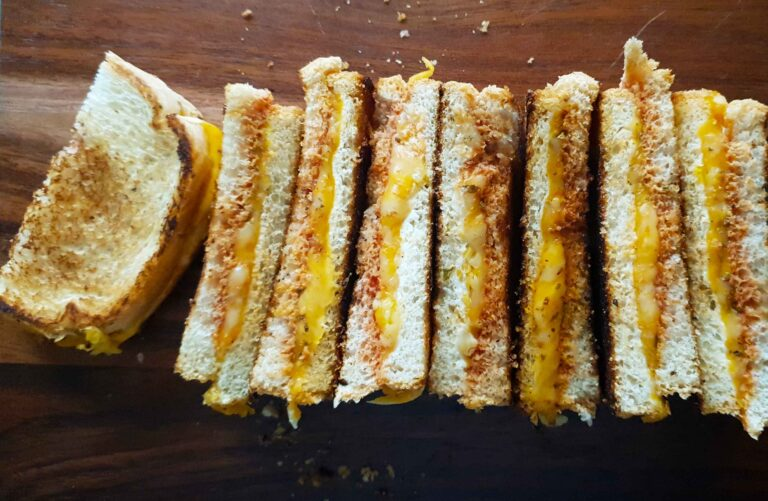 3 cheese pizza toasties
