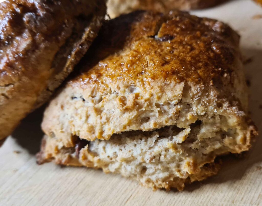 Wholemeal Scone Recipe with chocolate and raisins